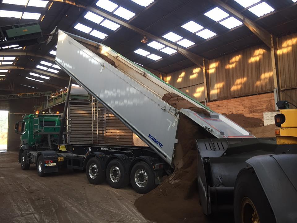 Lastwagen Alpenflor Erdenwerke